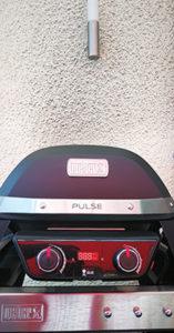 Vorsicht ist geboten: der PULSE 2000 sollte mit einem Mindestabstand von einem halben Meter zur nächsten Wand betrieben werden. Ansonsten drohen schnell starke Verschmutzungen...