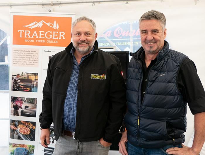 BBQ-Spezialisten: Lindner Suisse-Chef Thomas Wildberger (Flamtastic) und Kuno Graber, der Grill- und Smoker-Experte im Hause Blaser+Trösch.