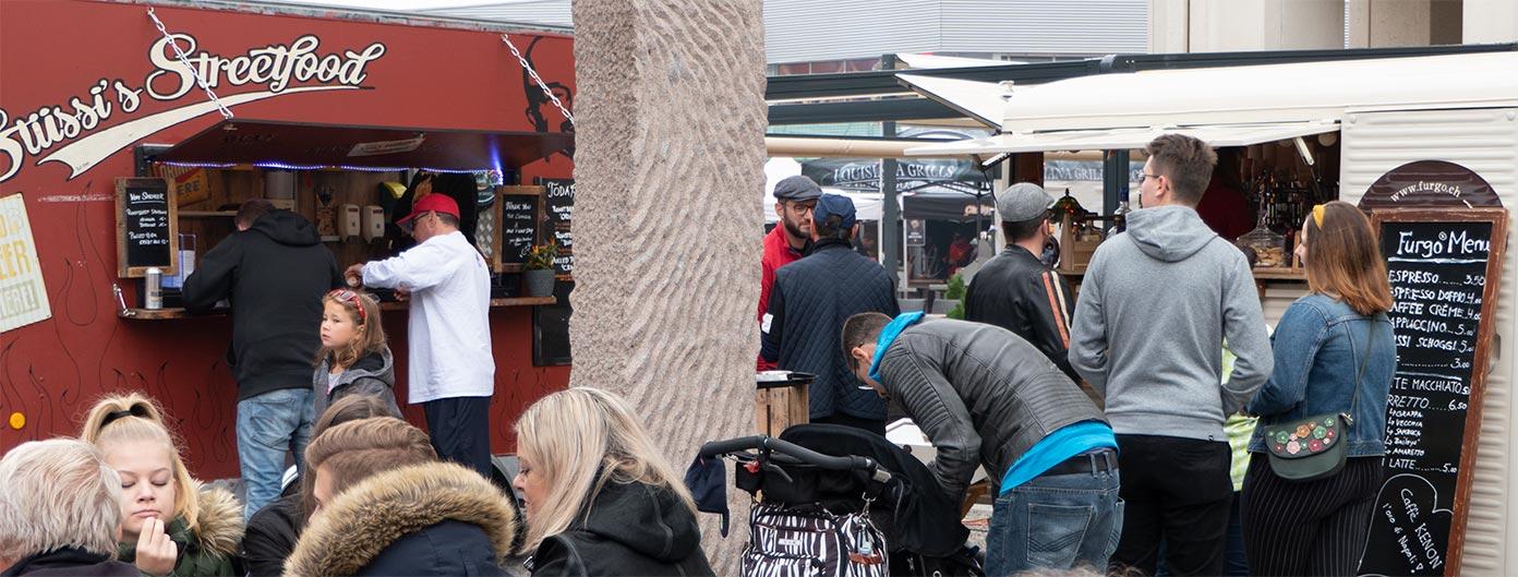 Liess keine Wünsche offen: das kleine Streetfood-Festivals des KCBS-Events.